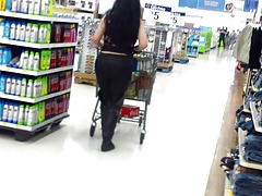 Sexy Latina Curvy Babe Shopping.