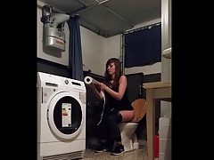 Sexy Teen Luisa toilet Spy