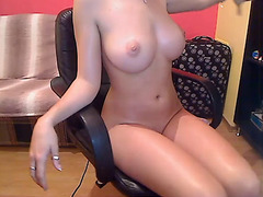 On Monday I was very bored after coming from work so I decided to have some fun and made this amateur masturbation video. Here my big tits are reveale
